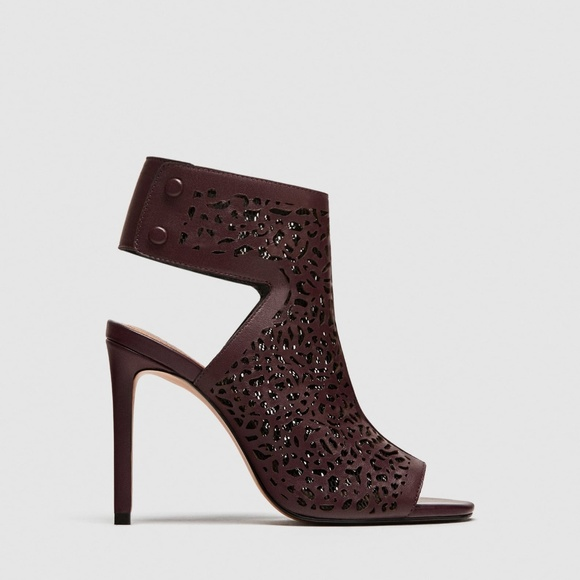a2616c3caff Zara Laser Cut Leather Sandals
